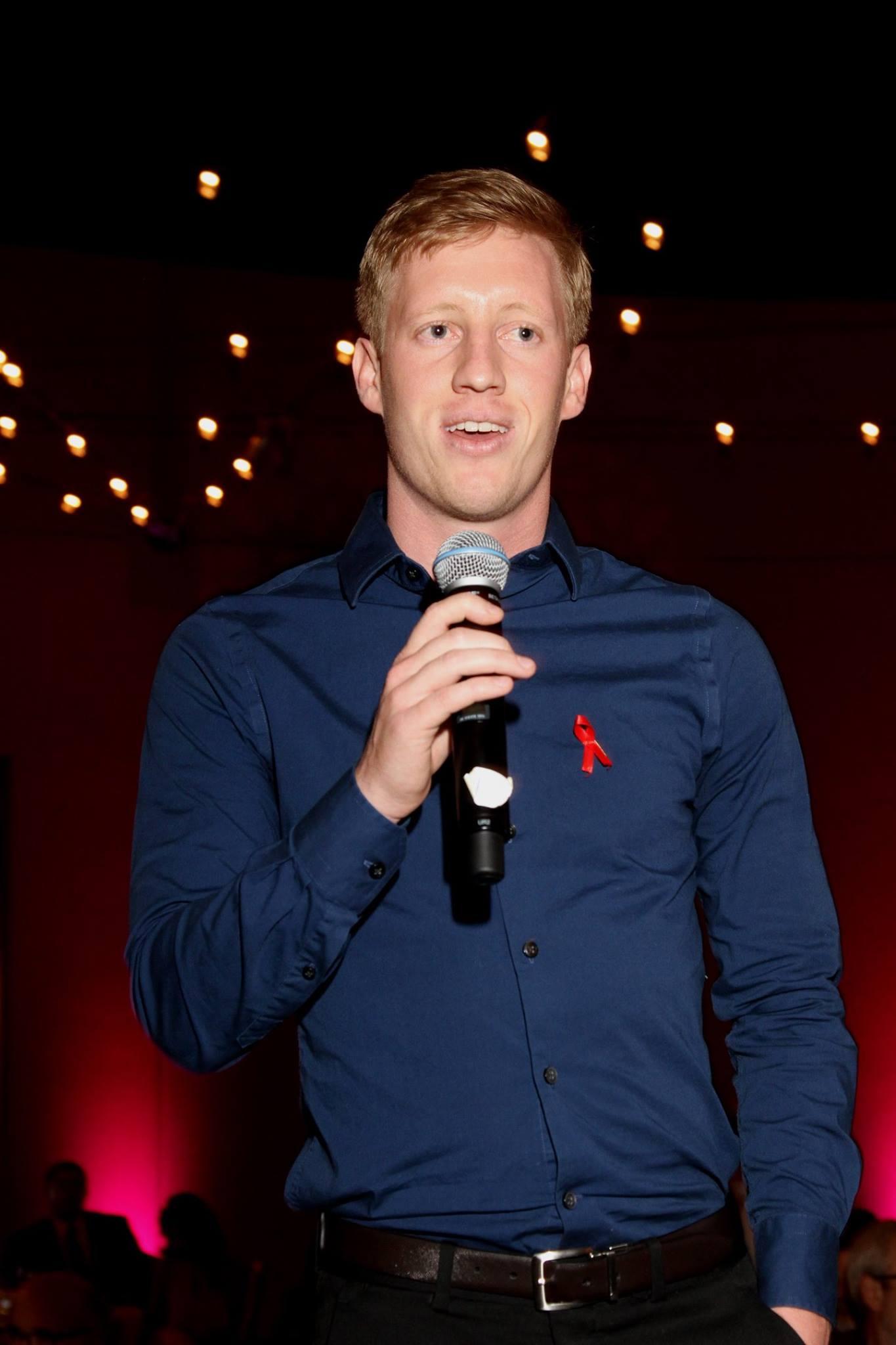 photo of Hunter Workman speaking at the 2016 IAPA fundraising Gala